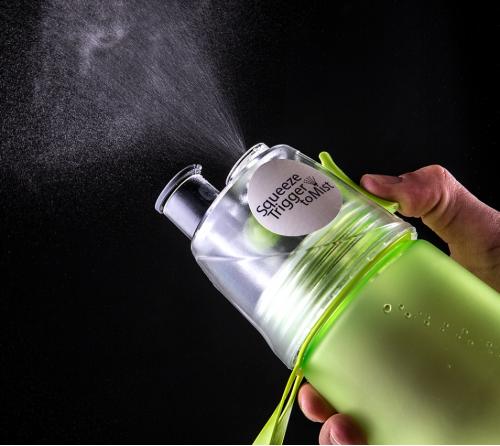 Squeeze de Plástico 570 ml com borrifador